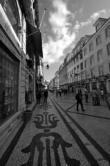 Lisbonne - atana studio (Anthony SJOURN) Tags: street panorama art portugal yellow jaune studio tour lisboa tram eiffel musee belem anthony rue fado tramway lisbonne contemporain atana sjourn