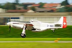 P-51 Mustang landing @ Payern #Air14 (Huygens! aka GSatiFan) Tags: show force swiss aviation military air 14 north flight american p tribute 51 mustang p51 flug payern j901 air14
