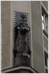* (Dit is Suzanne) Tags: prague madonna praha number ornament czechrepublic praag 1911 josefov tsjechi img0872   cijfer views150  ditissuzanne noncoloursincolour canoneos40d   sigma18250mm13563hsm 14062014