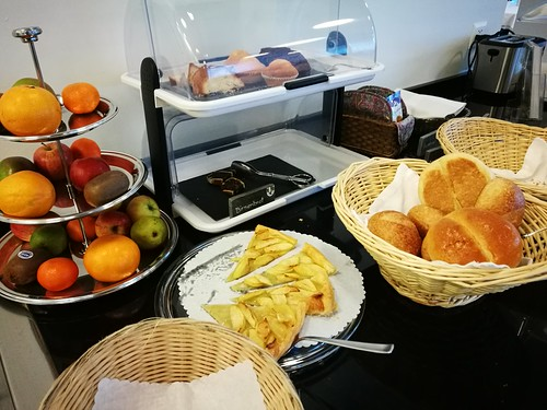 Muffins, fruits and bread basket