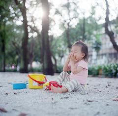(YHHY) Tags: baby rolleiflex mia  fujicolor pro400h 28e2