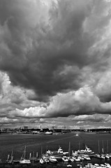 Menaces sur Lorient (BrigitteChanson) Tags: sky clouds brittany nuvole bretagne breizh ciel cielo nuages morbihan lorient