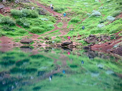 2 sides to every story [Explored] (Alex L'aventurier,) Tags: summer people lake reflection green wet water canon iceland moss eau hill lac vert reflet crater personnes pente steep mousse islande keri cratre g15