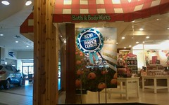 Day 198 (DBM) Bath and Body Works, looking towards the rear entrance (l_dawg2000) Tags: old food vintage shopping store applebees tn tennessee arcade jewelry 80s shoppingmall photoaday foodcourt gameroom gnc jcpenney jewelers bathandbodyworks project365 dyersburg generalnutritioncenter burkesoutlet sweetpeppersdeli dyersburgmall
