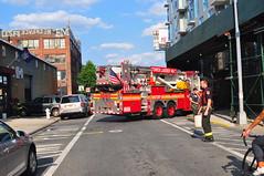 FDNY Tower Ladder 146 (Triborough) Tags: nyc newyorkcity ny newyork brooklyn firetruck williamsburg fireengine ladder fdny seagrave kingscounty towerladder newyorkcityfiredepartment ladder146 towerladder146