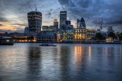 london-rkw-070714-6800-it (Rolf K. Wegst) Tags: travel england london thames skyline reflections evening abend licht wasser europa himmel wolken fluss reflexion refelction reise reflektion themse wolkenkratzer