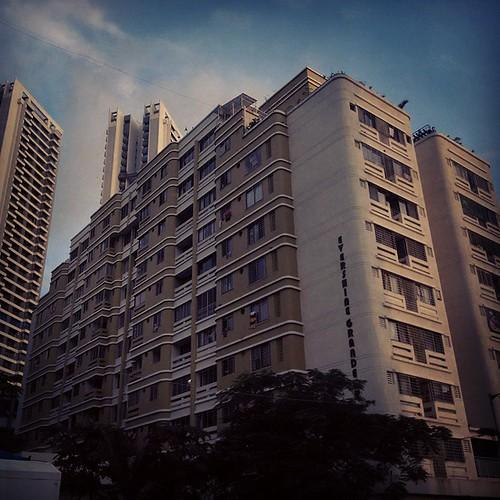 #moody #evening #buildings #sunlight #perspective #mumbai