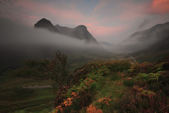 SHROUDED (Steve Boote..) Tags: cloud mist sunrise landscape dawn scotland highlands glencoe gitzo thethreesisters 06s sigma1020f456exdchsm leefilters ndgrads canoneos7d 09s steveboote