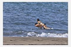 _MG_6914americans1 (Alejandro M. Valverde) Tags: blanco sol familia azul de noche mar rojo cabo agua negro playa luna arena amarillo cielo estrellas gata juego padre almera tierra hija
