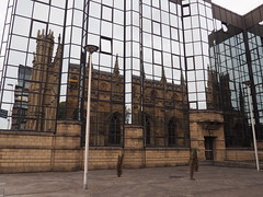 St Andrew's Cathedral - reflected (M@rkec) Tags: church scotland clyde cathedral glasgow neogothic kerk kathedraal schotland ecosse neogotiek 1814 050914 standrewscatehedral