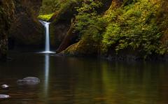 Punch Bowl Falls (Columbia Gorge, OR) (Sveta Imnadze) Tags: nature landscape waterfall oregon columbiagorge punchbowlfall reflection eaglecreek
