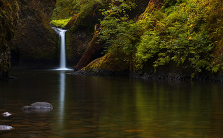 Punch Bowl Falls (Columbia Gorge, OR)