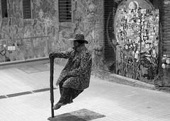 The unthinkable (Teashirt (Marion Keller)) Tags: barcelona park street city trip travel trees friends cactus sun art water familia reflex pentax market palm human gaudi fountains discovery guell sagrada masterpiece gell k30
