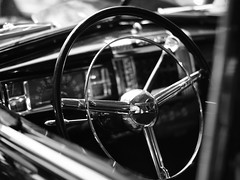 DSC06406 (Drew Z) Tags: blackandwhite bw wheel wisconsin steering interior explore madison chrysler wi 2014 carsonstate