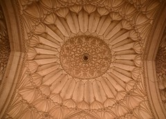 Safdarjung's Tomb, New Delhi - Ceiling of the outer rooms (Unseen Horizons) Tags: safdarjungstomb mughalarchitecture historicdelhi mughaltombs historicsitesindelhi