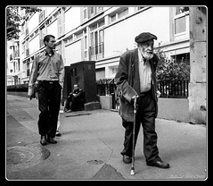 Street of Paris (Maestr!0_0!) Tags: street leica old people white black paris noir candid young rue blanc vieux gens jeune