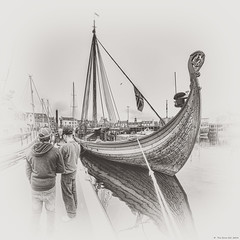 Draken Harald Hrfagre in Stornoway (The Unexplored) Tags: bw panorama monochrome photoshop harbor scotland nikon dragon harbour sigma harold replica nik viking draken harald westernisles vignette hdr isleoflewis lightroom longship stornoway outerhebrides hss photomatix fairhair splittoning unexplored d5000 lewisandharris 816mm hrfagre sliderssunday grimgit thegrimgit