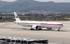 B777 UAE (_altaria01669_) Tags: barcelona espaa airport spain bcn el boeing 777 aeroport aeropuerto barna prat b777 lebl