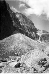 Hohe Tatra 2014 (PIXclusiv) Tags: bw white black mountains film high mju hiking olympus berge ii stylus weiss epic ilford schwarz wandern tatry tatra hohe fp4plus