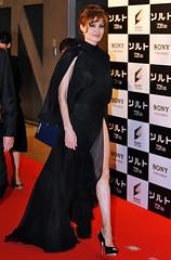 2010-07-27 Angelina Jolie  Leggy at 'Salt' premiere in Japan (Tendance-Talons.com) Tags: sexy legs angelinajolie heels paparazzi celebrities angelina jolie celebs