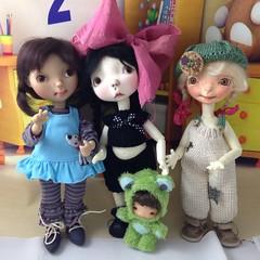 Frump with her cousins (Miraclebabymouse) Tags: hope ooak oops bjd sprocket frump yosd fullset marbledhalls artistbjd tanresin connielowe galyalowe
