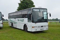 N468 PYS: Pilling t/a Twin Valley/Denroy, Sowerby Bridge (originally HSK 641) (chucklebuster) Tags: volvo hamilton parks twin valley vanhool pilling alizee b10m hsk641 n468pys denroy