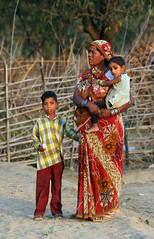 Village Family (cowyeow) Tags: poverty park travel family boy portrait people baby india girl rural children village child farm candid indian traditional young mother farmland babygirl national littleboy pradesh matriarch madhyapradesh bandhavgarh madhya bandhavgarhnationalpark umaria