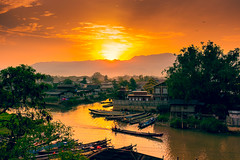 Picture of the Day #21 - Sunrise from our Hotel ( [Kristoffer]) Tags: morning light sunset lake nature beautiful up birds clouds sunrise river boats boat colorful asia asien wake market burma myanmar inle southeast fluss burmese motorboat dimm nyaung shwe