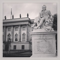 Sightseeing Berlin, Humboldt-Universität zu Berlin #berlin... (wupperpoet) Tags: berlin statue universit uploaded:by=flickstagram instagram:photo=708082210683604549992506138