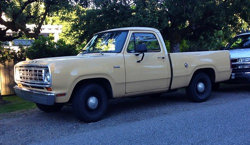 1975 dodge d 100 pickup truck a photo on flickriver 1975 dodge d 100 pickup truck publicscrutiny Choice Image