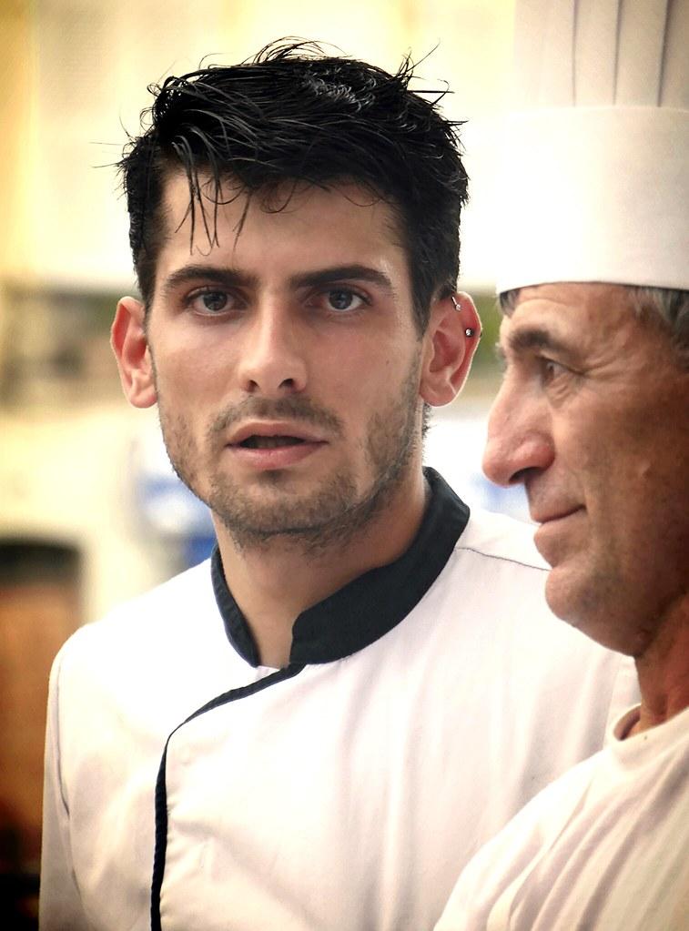 The world 39 s best photos of cuisinier and restaurant for Cuisinier basque