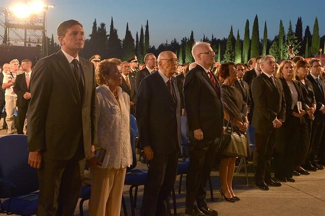 Il Presidente Giorgio Napolitano al Sacrario di Redipuglia assiste insieme al Presidente Croato e al Presidente Sloveno