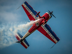 DSC_0652.jpg (sylvainbenoist) Tags: france avion sites avions voltige extra330 lafertealais showaerien