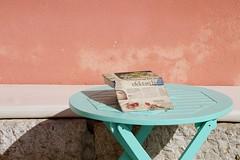 Rovinj - mur 3 (luco*) Tags: wall table book croatia mur livre rovigno rovinj istria croatie hrvatska istrie