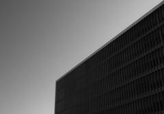 - (Rai Leiton) Tags: white black building blanco portugal architecture digital 1 xpro arquitectura fuji y negro preto architectural porto fujifilm mm 18 oporto arquitecture norte xf