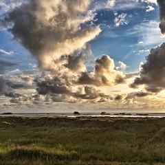 Wonderful evening at the beach.  #sanktpeterording #wind #weather #igtravel #igtravelthursday #instanice #instacool #instaplace #instatravel #instaweather #igweather #sunset #beach#enjoy #love #summer #sun #wind