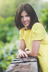 Mirada (Samuvalleys) Tags: portrait green yellow canon retrato 6d canon85mm18