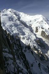 Chamonix, massif du Mont-Blanc (Ytierny) Tags: panorama france vertical altitude glacier piton neige midi blanche chamonix montblanc glace alpinisme dme hautesavoie sommet valle goter aiguille et belvdre srac paroi massifdumontblanc hautemontagne alpesdunord ytierny