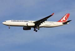 TC-JNO (JBoulin94) Tags: usa john virginia washington airport dulles iad international va airbus airlines turkish kiad a330300 boulin tcjno
