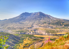 Mt. St. Helens - Scenic View (zendt66) Tags: park travel vacation saint oregon volcano us nikon nw pacific northwest mount national crater helens np hdr mtsthelens d90 photomatix zendt66