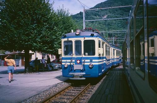 FART car 32 entering Intragna in 1994