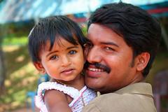 Padre e figlia, Kerala, India, 2012 (Fabionik) Tags: 2012 happyland india namaste