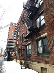 5309 Côte-Saint-Luc (Exile on Ontario St) Tags: building montreal ndg notre dame de grâce stairs notredamedegrâce escalier escaliers notredamedegrace brown brun side neige hiver snow winter metal steel emergency staircase urgence fireescape chemin la côte saint luc côtesaintluc fire escape cote saintluc stluc balconies balcons balcon balcony brick bricks édifice apartment complex bloc appartement appartements house home
