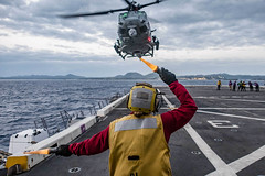 170405-N-JH293-005 (U.S. Pacific Fleet) Tags: ussgb greenbay ussgreenbay lpd20 japan sasebo bhr esg ctf76 forwarddeployed us7thfleet pacific ocean water navy ship sailors wisconsin packers vmm262 31stmeu nbu7 marines bonhommerichard bhresg patrol atsea bucknerbay jpn
