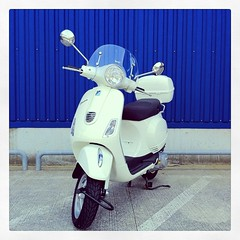 Piaggio Vespa LX125 3V (foxfoto_archives) Tags: ikea apple valencia japan square italian italia vespa scooter chiba squareformat  piaggio 3v funabashi       lx125  iphone4   iphoneography instagram instagramapp uploaded:by=instagram