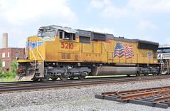 UP#5210 EMD SD70M ROSTER KENDALVILLE,IN 6-19-14 THURSDAY (penn central 74) Tags: up wings flags unionpacific roster buildingamerica kendallvillein emdsd70m 061914 up5210