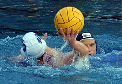 5986-fotogalerie-rv.ch (Robi33) Tags: summer sports water swimming ball fight women action basel swimmingpool watersports waterpolo sportspool waterpolochampionship