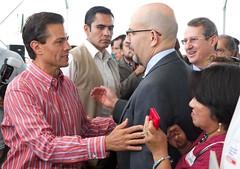 AR1_1529_ALFOSO REYES (Mi foto con el Presidente MX) Tags: presidente mxico mi foto carretera el julio con cuautla 2014 inauguracin mifoto chalco ixtapaluca enriquepeanieto peanieto epn presidencia20122018 distribuidorvialentronque