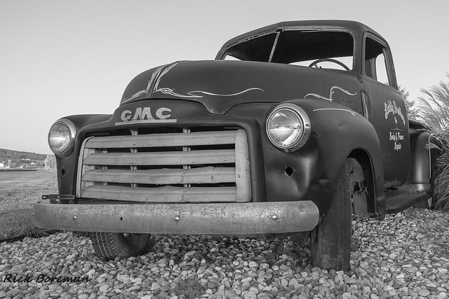 old bw usa classic rural america truck canon vintage emblem outdoors photography eos blackwhite pennsylvania pickuptruck pa vehicle aged gmc canon7d