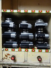 Verbotene Liebe in Heuermanns Küchenschrank (QQ Vespa) Tags: camera old classic film analog vintage foto photographie collection porn analogue collect kamera antik alte sammeln sammlung cameracollection fotoapparat mechanisch cameraselection